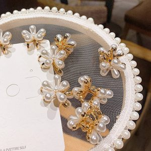 Decorative Bling Hair Accessories Pearl Hair Claw Clip in A Flower Shape 4PCs